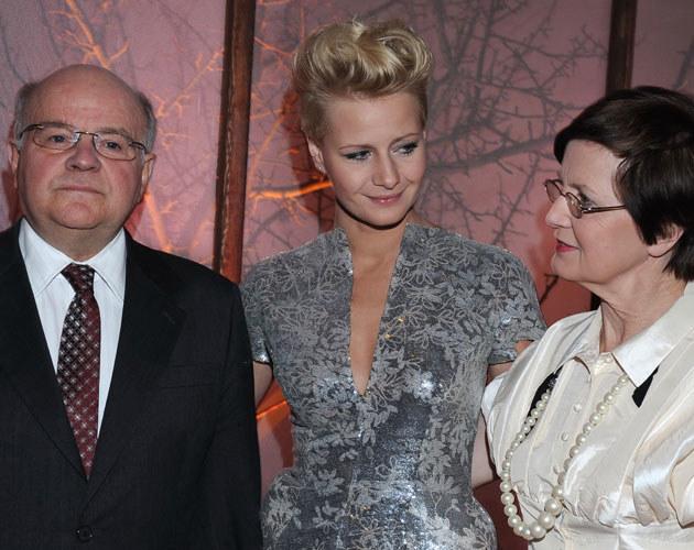 Małgorzata Kożuchowska bardzo liczy się ze zdaniem matki i ojca /Andras Szilagyi /MWMedia