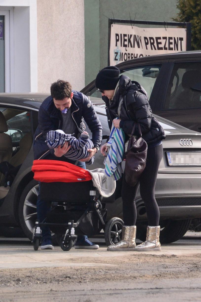 Małgorzata Kożuchowska z mężem i synem /Foto IP