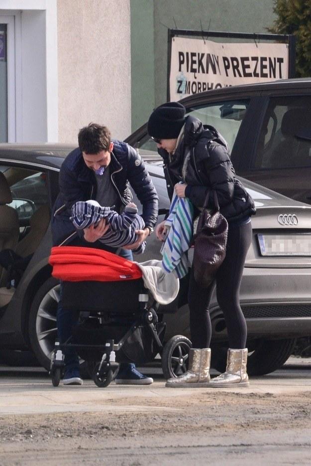 Małgorzata Kożuchowska z mężem i synkiem /Foto IP