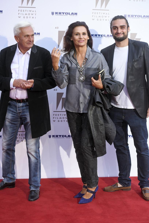 Małgorzata Pieczyńska z mężem Gabrielem i synem Victorem /Kurnikowski /AKPA