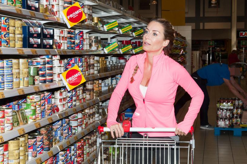 Małgorzata Rozenek-Majdan podczas zakupów /Artur Zawadzki /East News