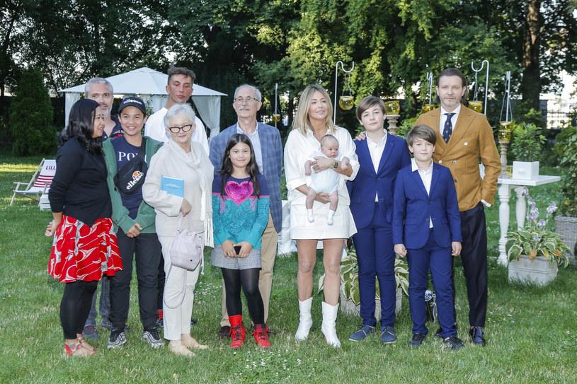 Małgorzata Rozenek-Majdan z całą rodziną / Jordan Krzemiński /AKPA
