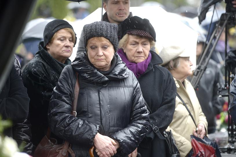 Małgorzata Rożniatowska i Teresa Lipowska wspierają się w trudnych chwilach /Euzebiusz Niemiec /AKPA