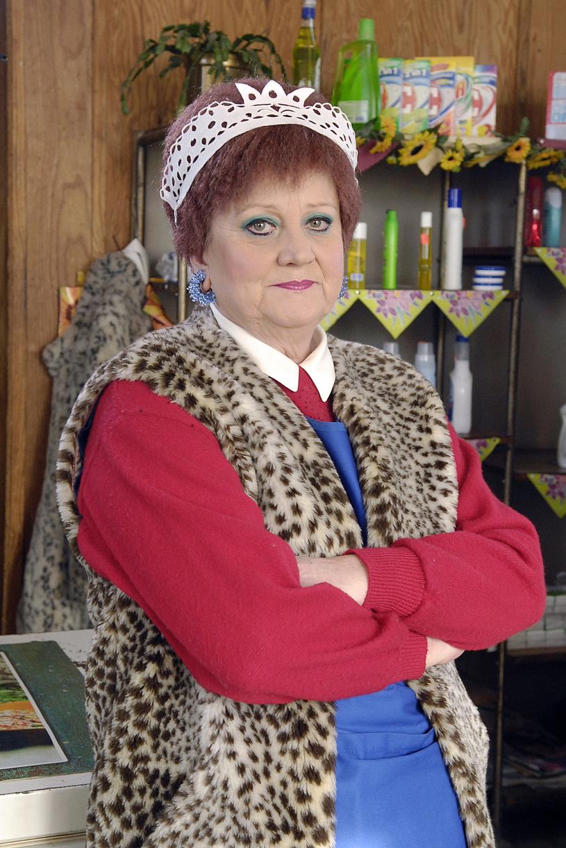 """Małgorzata Rożniatowska jako niezapomniana Elżunia Kleczkowska z serialu """"Złotopolscy"""" /Mikulski /AKPA"""
