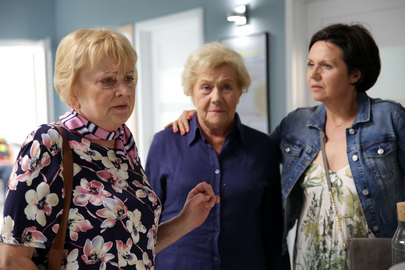"""Małgorzata Rożniatowska, Teresa Lipowska, Małgorzata Pieńkowska na planie serialu """"M jak miłość"""", fot. TVP /East News"""