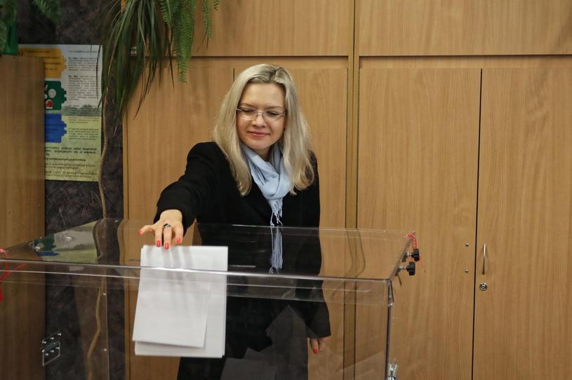 Małgorzata Wassermann w lokalu wyborczym /Jan Graczyński /PAP