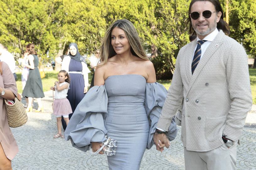 Małgorzta Rozenek-Majdan wraz z Radosławem Majdanem pojawili się na ślubie Joanny Opozdy i Antka Królikowskiego /Hornet/REPORTER /East News