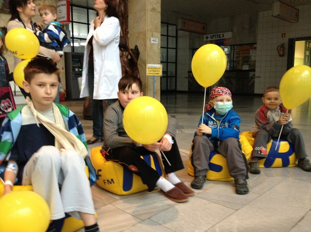 Mali podopieczni szpitala w Prokocimiu z balonami od RMF FM /Maciej Grzyb /RMF FM