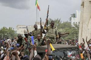 Mali: Zbuntowani żołnierze pojmali prezydenta i premiera