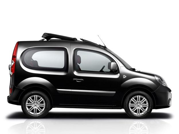Mało popularny na polskim rynku. Występuje wyłącznie w wersji trzydrzwiowej. Tylko 4 fotele. /Renault