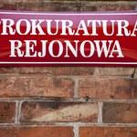 Małopolskie: Zarzuty dla mężczyzny, który oblał benzyną żonę i dwójkę dzieci