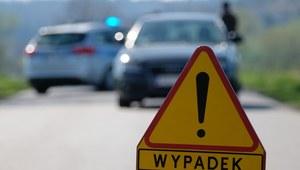 Małopolskie: Zderzenie samochodu osobowego z ciężarówką. Nie żyją dwie osoby