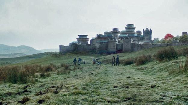 """Malownicze krajobrazy Irlandii Północnej w serialu """"Gra o tron"""". /HBO"""