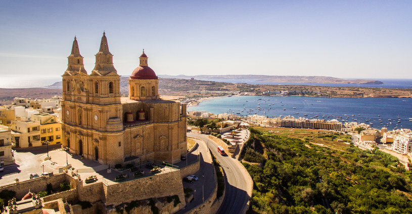 Maltańska Mellieha to pełna zabytków miejscowość, w której często goszczą filmowcy /materiały prasowe