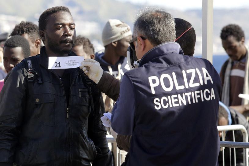 Maltański patrol kontroluje uchodźców /AFP