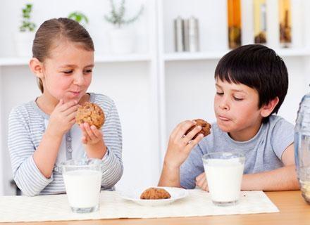Maluchy, które w wieku 3 lat jadły dużo przetworzonej żywności , miały nieco niższe IQ /© Panthermedia