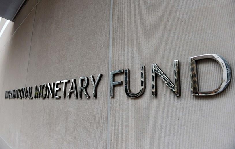 Mały biznes zagrożony. MFW radzi rządom, co powinny zrobić /AFP