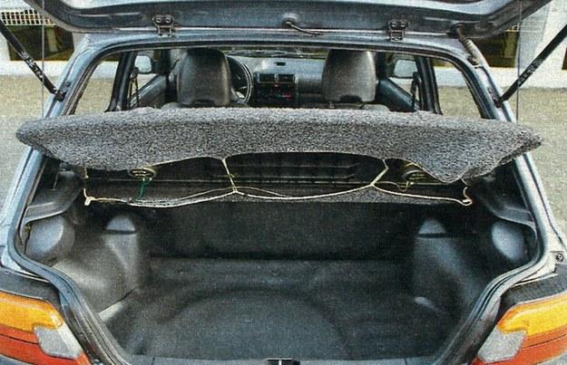 Mały samochód - mały bagażnik. 225 litrów to marny wynik. /Motor