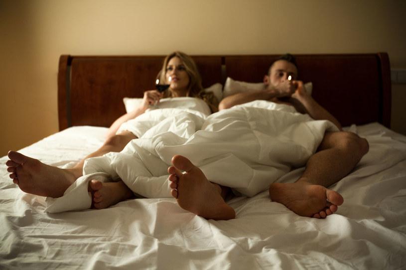 Małżeństwa pijące razem są szczęśliwsze /123RF/PICSEL