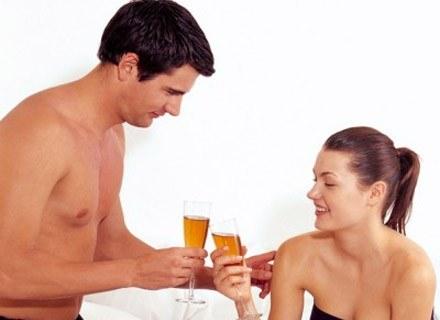 Małżeństwo przechodzi przez wiele etapów /INTERIA.PL
