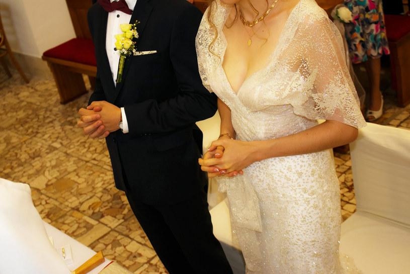 Małżeństwo sakramentalne z definicji jest nierozerwalne, dlatego nie można mówić o rozwodzie kościelnym /123RF/PICSEL