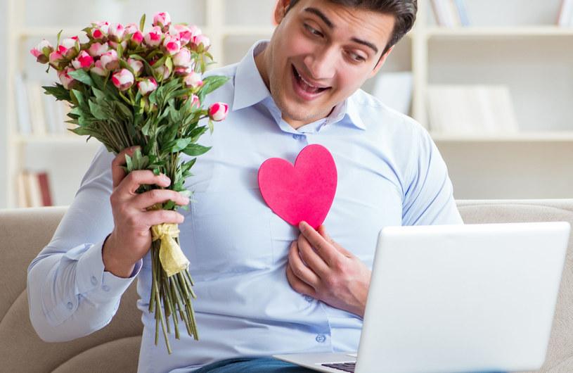 Małżonkowie poznali się przez internet /123RF/PICSEL