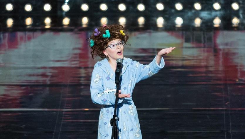 """""""Mam talent"""": Kim jest Emilia Nowak, która otrzymała złoty przycisk od Szymona Hołowni?"""