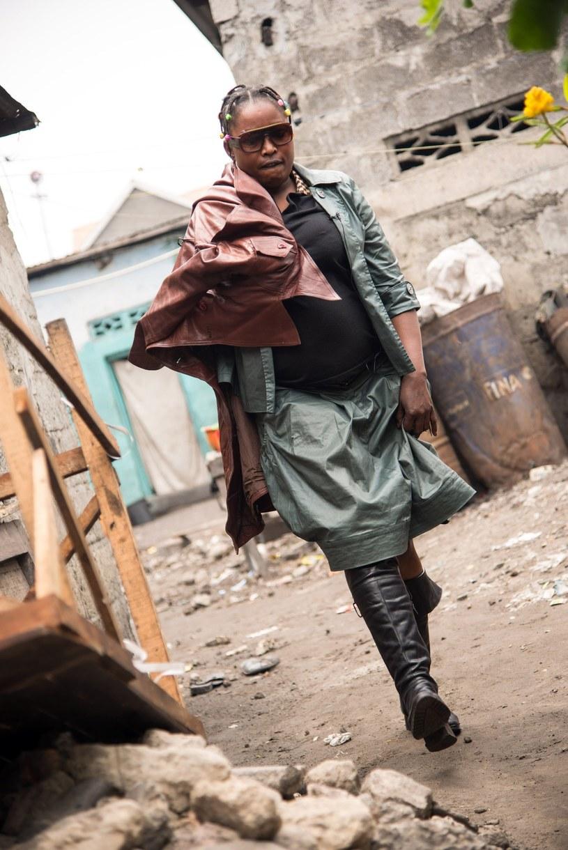 Mama Africa - jedna z niewielu kobiet w ruchu La Sape /AFP