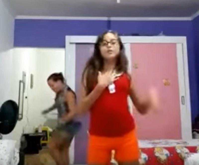 Mama tańczy zdecydowanie lepiej /Ainoa Marco de la Torre /YouTube