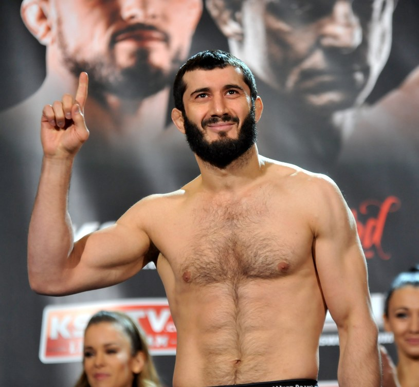 Mamed Chalidow będzie walczył w klatce na Stadionie Narodowym w Warszawie /Fot. Marek Lasyk /East News