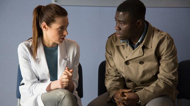 Mamutu powie Zuzie, że nie może wziąć z nią ślubu i zniszczyć jej życia. /Agencja W. Impact