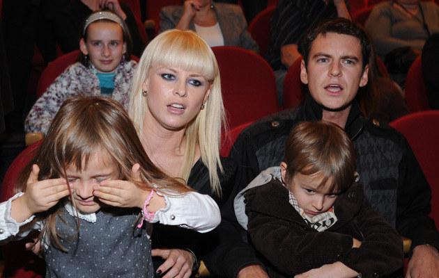 Mandaryna z Michałem Szatkowskim, Xavierem i Fabienne, fot. Adam Kepinski  /MWMedia