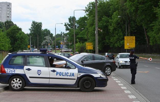 Mandat można zapłacić nie tylko za przekroczenie prędkości / Fot: Stanisław Kowalczuk /East News