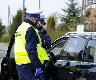 Mandat za brak maseczki, stracisz też prawo jazdy. Policja od dziś sprawdzi nie tylko kierowców