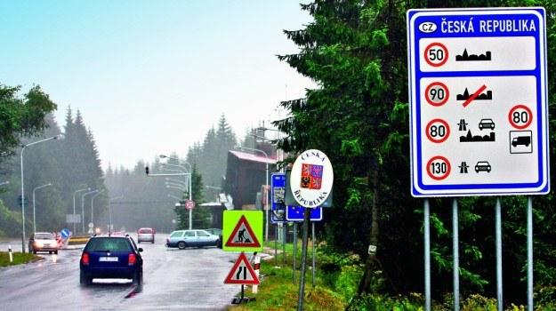 Mandaty za granicą zazwyczaj trzeba uregulować od razu, gotówką. /Motor