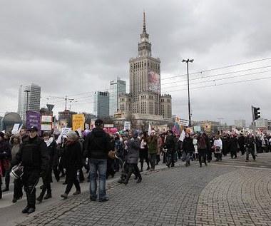 Manifa w Warszawie dedykowana Izabeli Jarudze-Nowackiej