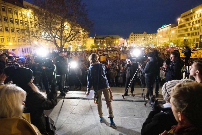 Manifestacja na pl. Wolności /Jakub Kaczmarczyk /PAP