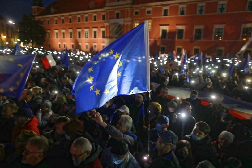 Manifestacja na Placu Zamkowym w Warszawie /PAP/Albert Zawada /PAP