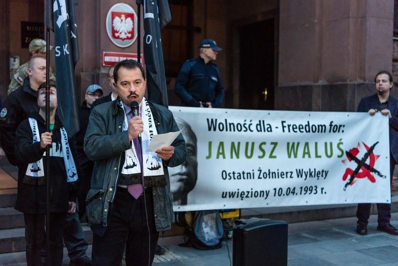 Manifestacja poparcia środowisk nacjonalistyczych dla uwolnienia Janusza Walusia z więzienia w RPA /Stanislaw Kusiak /East News