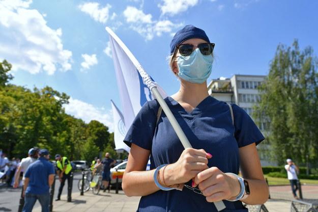 Manifestacja pracowników całego środowiska medycznego pod Sejmem /Piotr Nowak /PAP