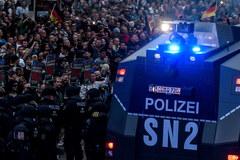 Manifestacja prawicowców w niemieckim mieście Chemnitz