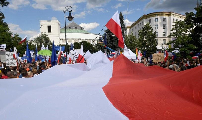 Manifestacja przed Sejmem, 16.07.2017 /AFP