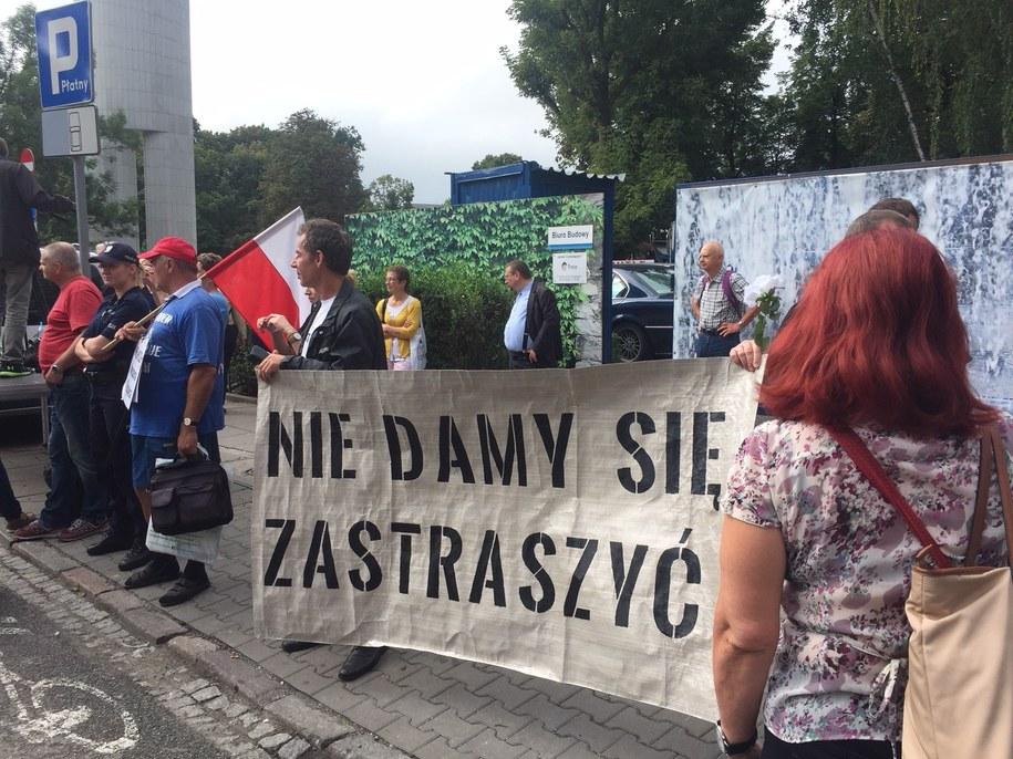 Manifestacja przed Sejmem /Karol Pawłowicki /RMF FM