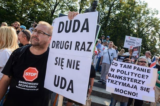 """manifestacja """"Stop bankowemnu bezprawiu"""". Fot. Mariusz Gaczyński /Agencja SE/East News"""