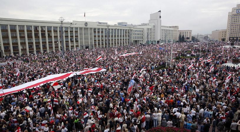 Manifestacja w Mińsku, 23 sierpnia 2020 /EPA/TATYANA ZENKOVICH /PAP/EPA