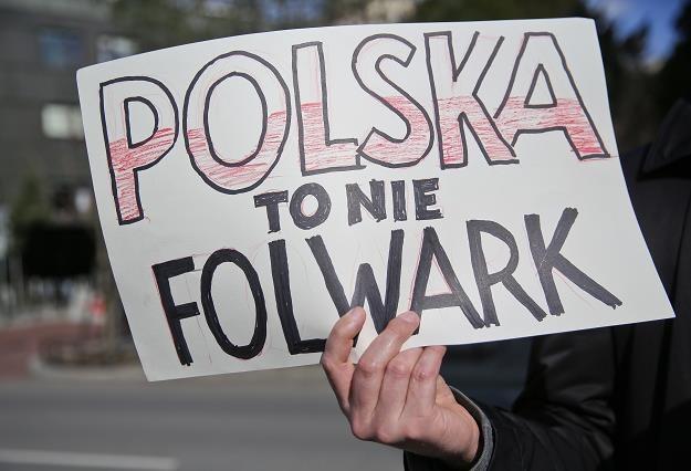 """Manifestacja """"W obronie polskiej ziemi"""", zorganizowana 16 marca w Warszawie /PAP"""