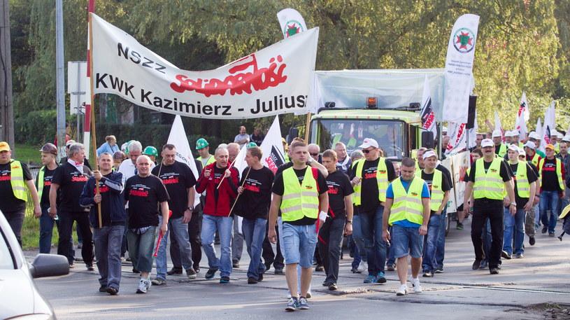 Manifestacja w sosnowieckiej kopalni Kazimierz-Juliusz /Andrzej Grygiel /PAP