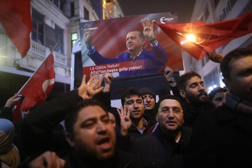 Manifestacja zwolenników Erdogana /PAP/EPA