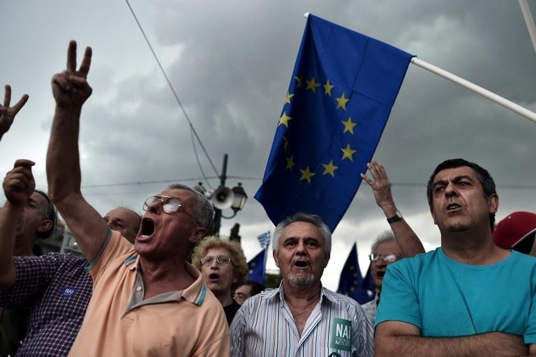 Manifestacja zwolenników porozumienia z wierzycielami /Aris Messinis /AFP
