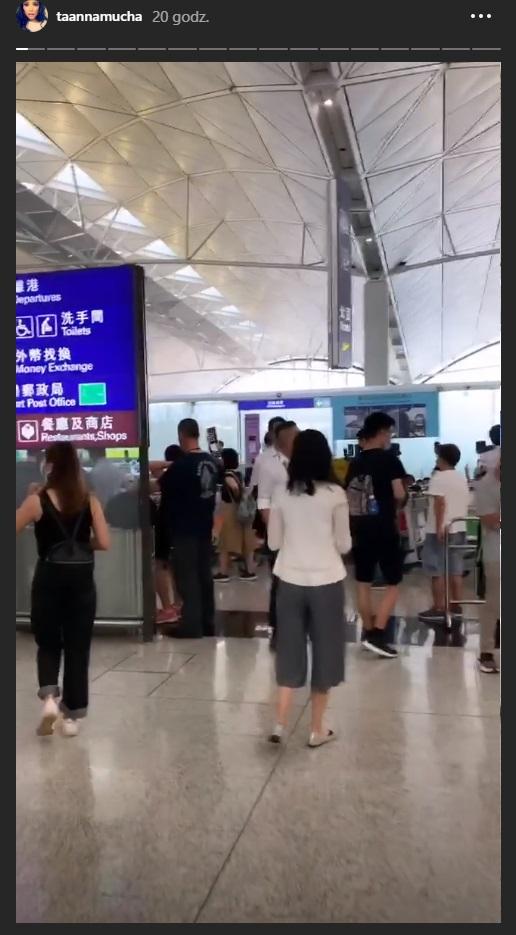 Manifestacje na lotnisku w Hongkongu /Instagram/ Anna Mucha  /Instagram
